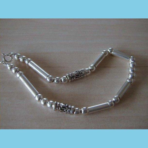 Sølvarmbånd med Rør og Perler